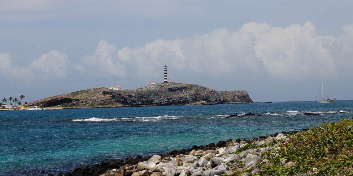 Arquipélago dos Abrolhos. Costas das Baleias. Foto: Tatiana Azeviche/ Setur