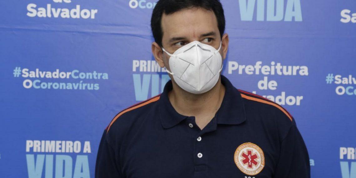 Imagens reprodução do google do Secretário de saúde de Salvador, Leo Prates